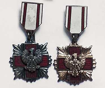 Miniaturki Krzyża PCK 2 i 3 stopnia