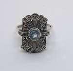 Srebrny pierścionek z akwamarynem i markazytami