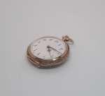 Złoty zegarek damski do zawieszenia