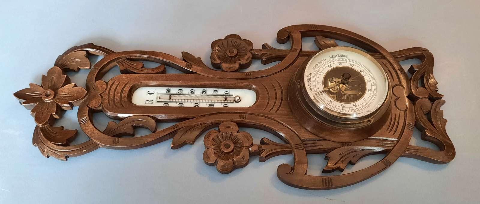 Barometr z termometrem w drewnianej obudowie