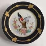 - Talerzyk porcelanowy z ręcznie malowanym ptakiem