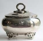 Srebrna cukiernica na kluczyk, ok. 1870