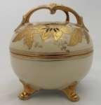 Bombonierka porcelanowa